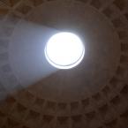 Sonne durch Loch in altem Gebäude :-)